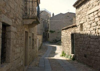 vicoli del centro storico del borgo di Aggius, in Gallura, Sardegna