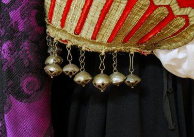 particolare del costume tipico esposto nel museo di Aggius