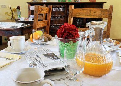 tavola con colazione Stazzu Coiga Aggius